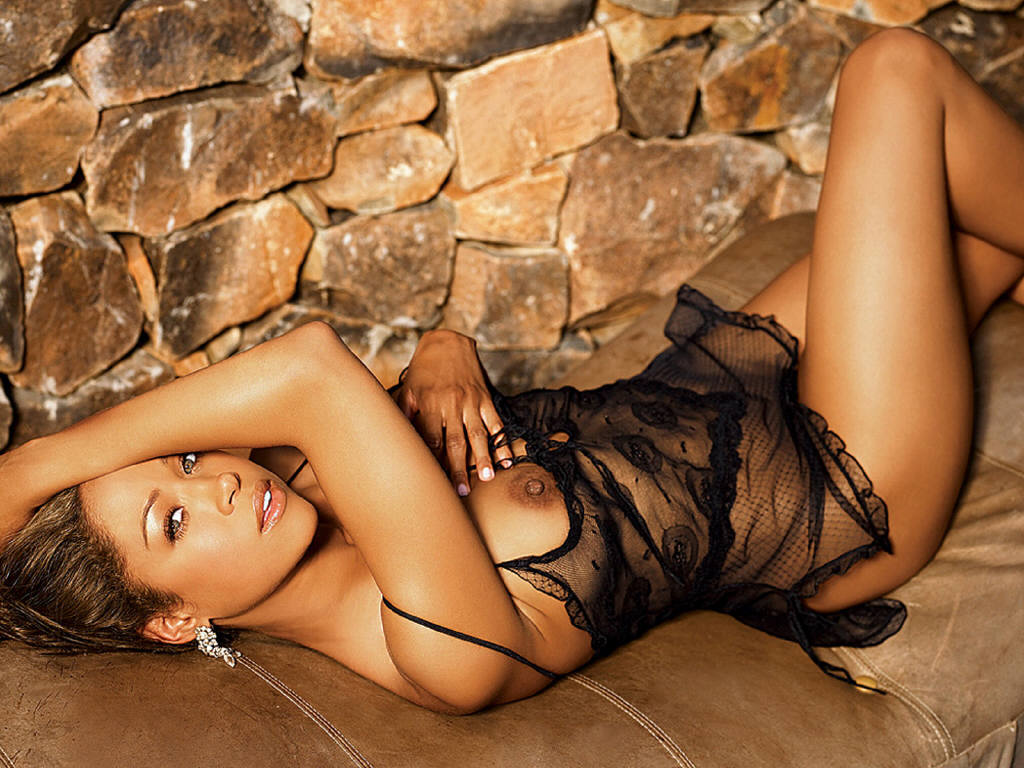 http://zone.wallpaper.free.fr/galleries/Celebrites_Femmes/P_-_T/Stacey_Dash/Stacey_Dash_06_1024x768.jpg