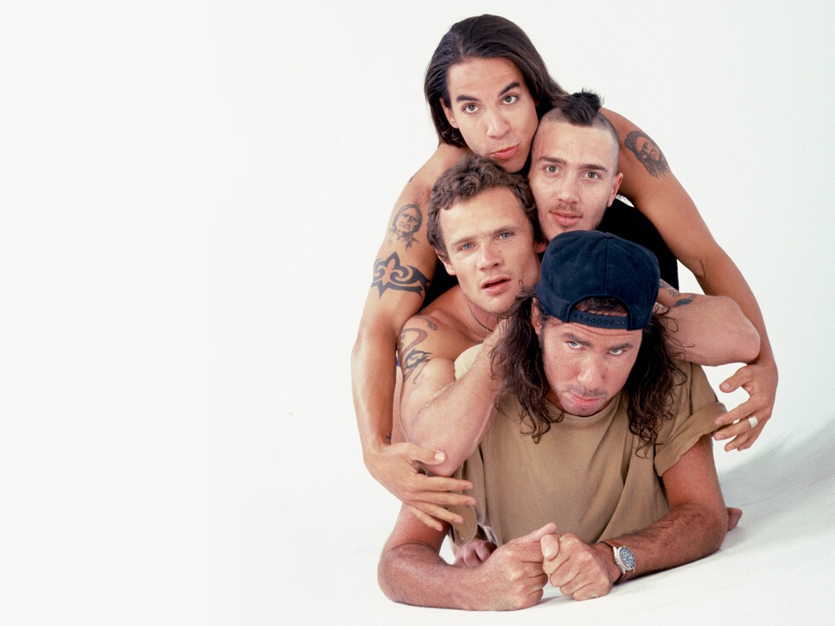 Red_Hot_Chili_Peppers_04_1200x900.jpg